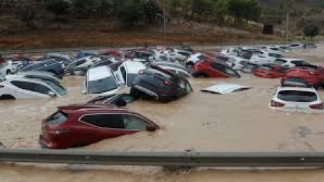 Bunch of car's has been damage by flood