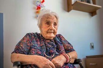 Old woman_luxury homes spain